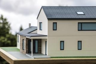Detailansicht Hausmodell mit Nebengebäuden